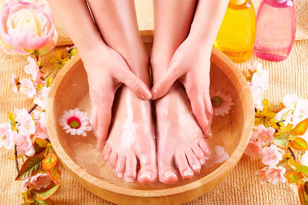 ноги и руки в ванночке
