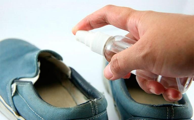 Чем обеззаразить обувь от грибка