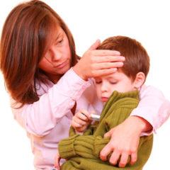 У ребенка холодный пот — что следует проверить в первую очередь