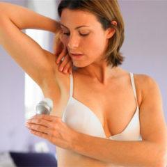 Причины и способы избавления от запаха пота под мышками