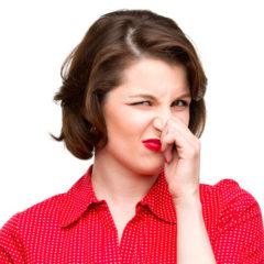 Почему ваш пот вдруг стал сильно пахнуть?