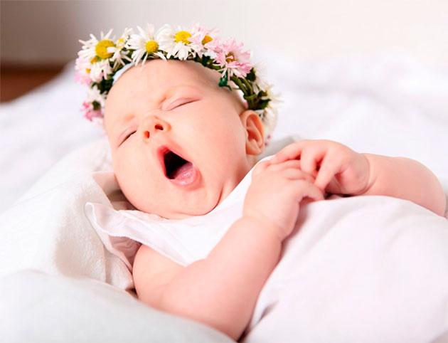 почему ребенок засыпая потеет